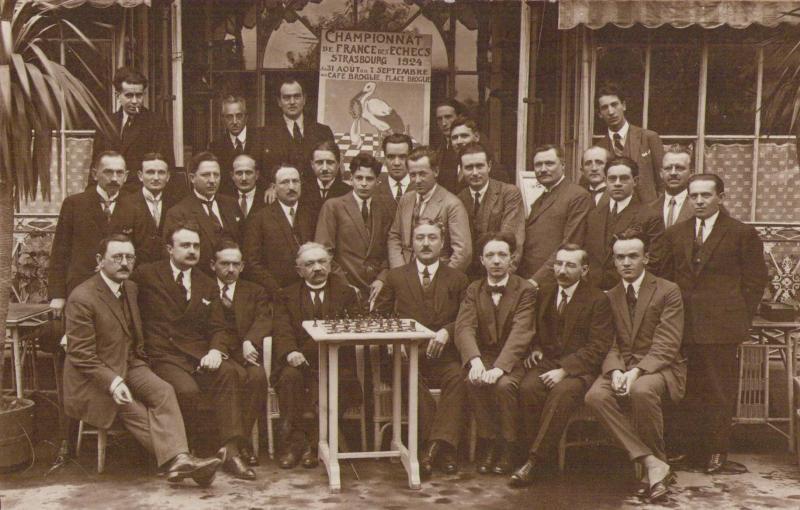 Championnat de France d'échecs de Strasbourg, 1924, Marcel Duchamp tout en haut à droite de l'affiche (source: collection Jacqueline Dorison née Lazard)